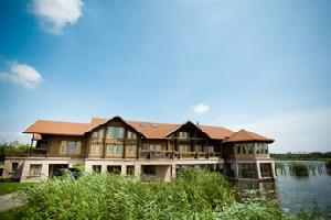 唐山南湖紫天鹅庄木屋别墅酒店