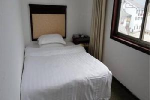 龙山鑫龙宾馆
