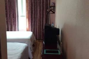 清镇三棵树酒店