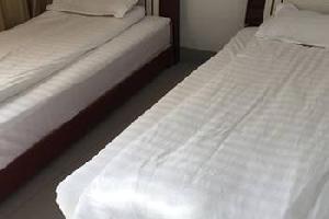 新安龙潭峡秀连宾馆