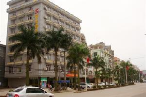 东兴阳光假日酒店