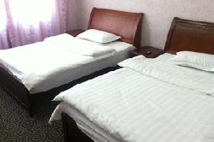 清镇华隆商务酒店