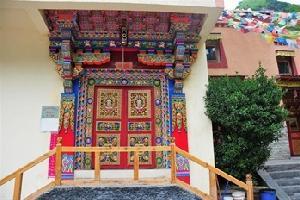 西部卓玛藏式精品酒店