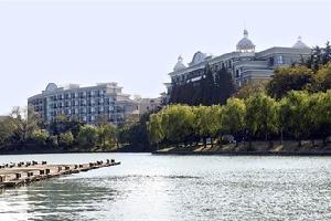 南京明发珍珠泉大酒店