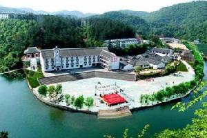京山绿林山生态旅游度假村