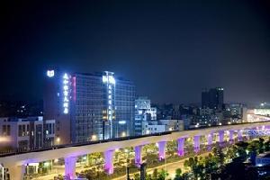 麗枫酒店(深圳龙岗大运中心吉祥地铁站店)