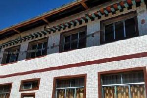 扎尕那涅甘达哇藏家乐